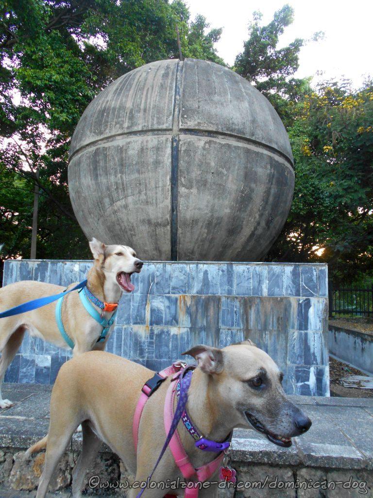 Inteliperra and Buenagente  at the front of Parque Mirador Del Este