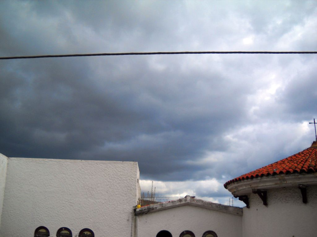 zona colonial gray skies