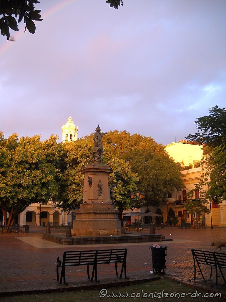 Parque Colon in the morning light at 7:16AM