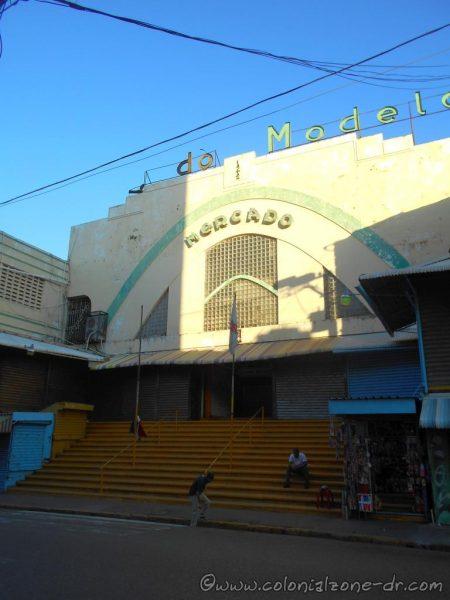 Mercado Modelo, Ave La Mella.