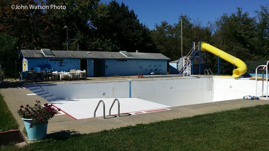 Picture of Mars Public Pool thanks to the Mars Area History & Landmarks Society?